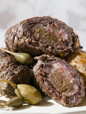 Irbītes - liellopa gaļas rullīši pildīti ar speķi un rupjmaizi