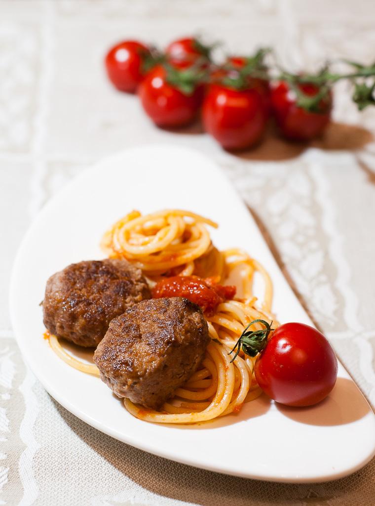 Liellopa gaļas mini kotletes pusdienām un uzkodām