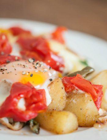 Zemnieku brokastis, vēršacs, marinēta grilēta paprika