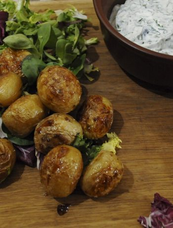 Krāsnī cepti kartupeļi ar medu