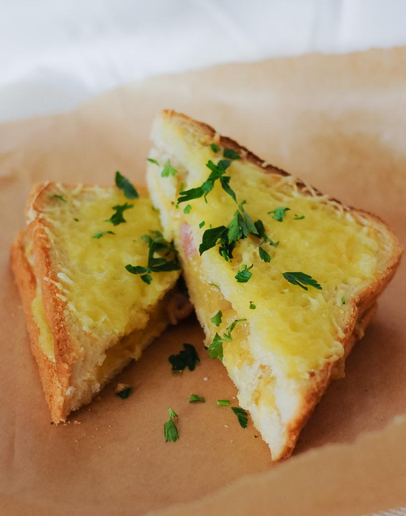Karstās siermaizes